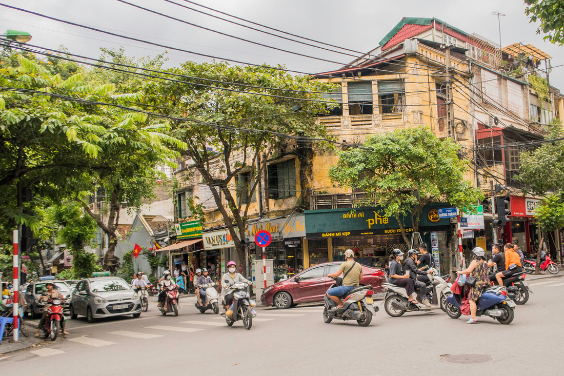 Busy Intersection in Hanoi