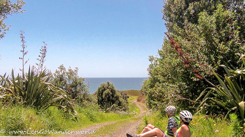 Lunch with a view of the Pacific near Hot Water Beach
